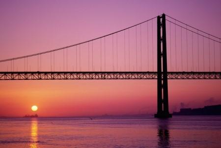 Resultado de imagem para ponte 25 de abril
